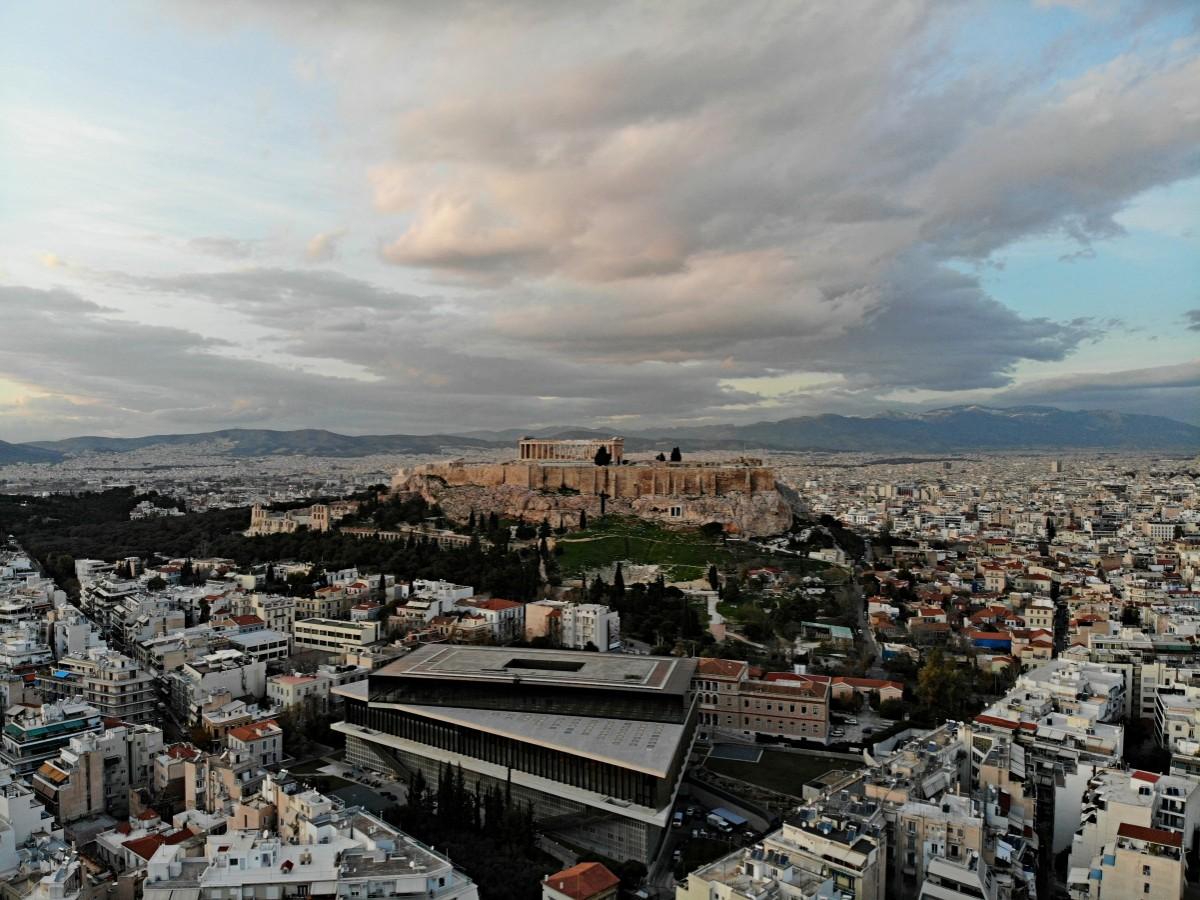 Εξερευνάμε γωνιές της Αθήνας και απολαμβάνουμε την Αττική γη