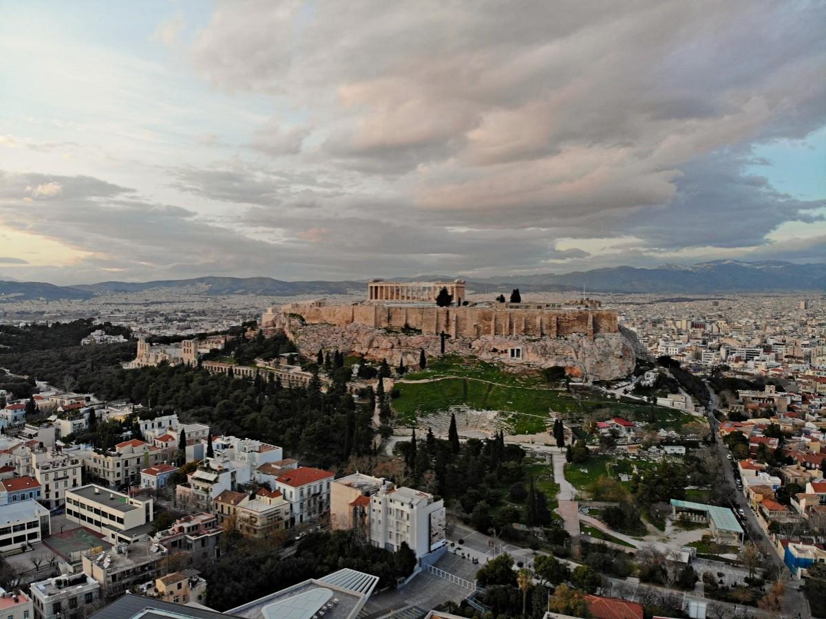 Η Αθήνα και η περίχωρη Αττική γη όπως δεν την έχουμε ξαναδεί, σε μόλις 22 λεπτά